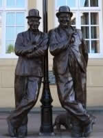 laurel_and_hardy_statue_ulverston walking holidays letsgowalking