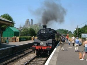 Steam_Train,_Corfe_Castle_Station_purbeck walk walking holidays letsgowalking