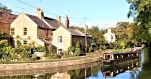 Kwnnet and Avon Canal avon cliff canal walking holidays with letsgowalking