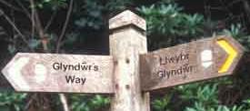 Glyndwrs way sign letsgowalking walking holidays